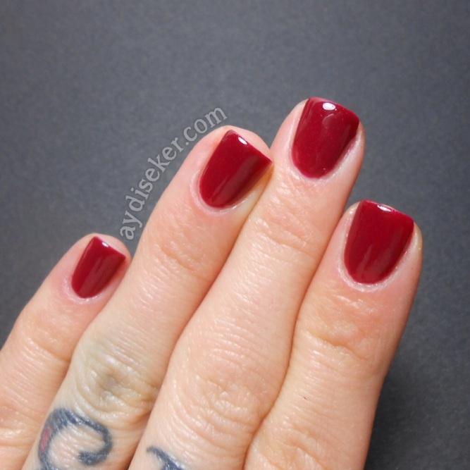 simili bordo oje, burgundy glitter polish
