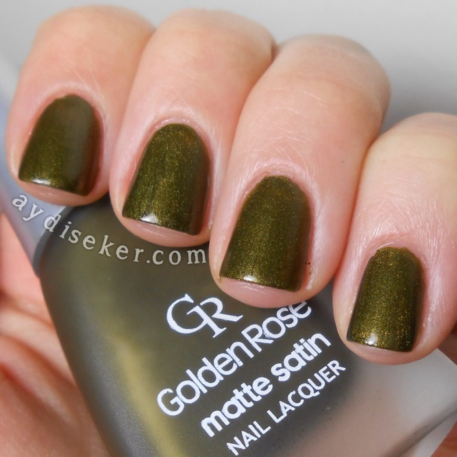 koyu yeşil oje, dark green polish